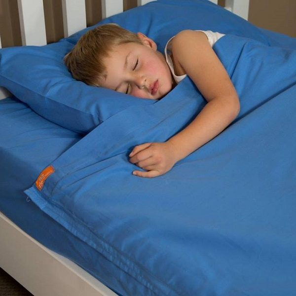 Bright Blue Kids Cotton Sheets with Zippers