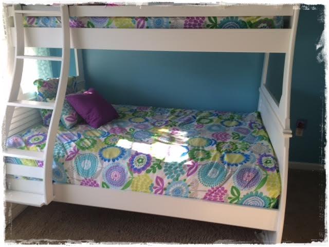 Pointillist Pansy Bed Cap Comforter Set