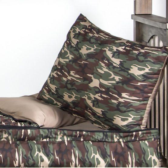Camo Zipper Comforter
