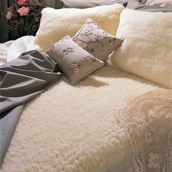 SnugFleece Deluxe Wool Mattress Pad