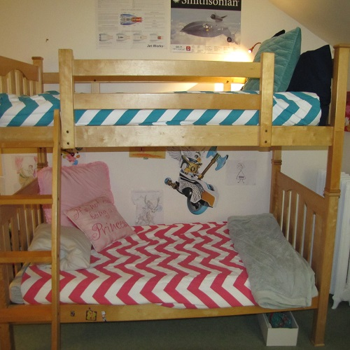 Zippy in Turquoise and Candy Pink Bunk Bed Huggers